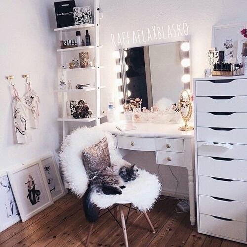 Room goals image 4010349 by lucialin on for Coiffeuse pour chambre ado